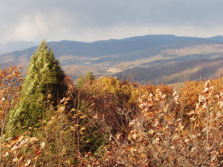 image of Shenandoah mountains in autumn