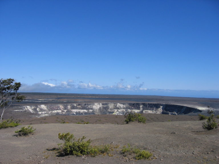 phto of Kilauea Iki Crater 2005