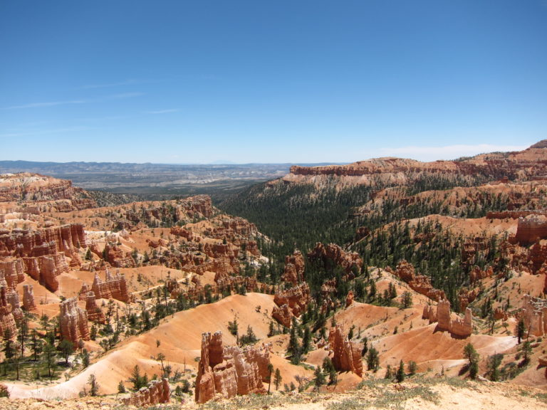 rim level view of Bryce Canyon in Utah